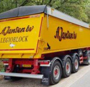 Bij A. Jansen B.V. rijden de eerste STAS Buildstar kippers.
