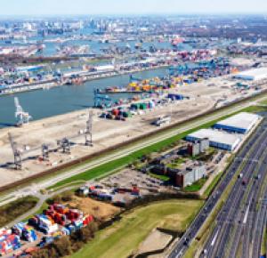Dudok ontwikkelt nieuw distributiecentrum en hoofdkantoor van 45.000 m² voor Neele-Vat Logistics in Rotterdam.