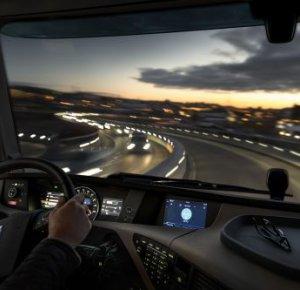 Volvo Trucks introduceert geïntegreerd systeem voor services en infotainment.