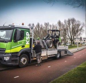 KSP Kunstgras B.V. kiest voor service en zekerheid van Mercedes-Benz Antos.