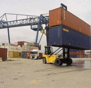 30 jaar Hyster containerhandlers bij BCTN Inland Terminals.