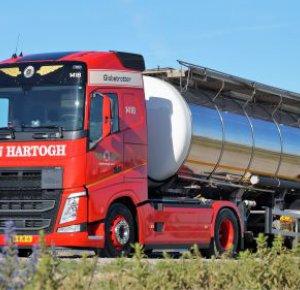 Honderd Volvo's FH 460 voor Den Hartogh Logistics.