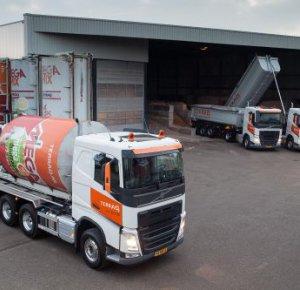 Drie Volvo-trucks voor Terraq Venlo.