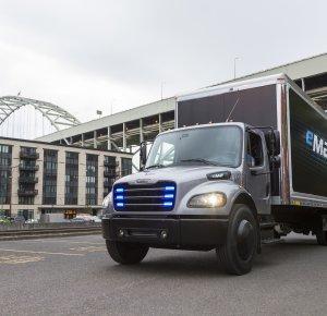 Penske Truck Leasing neemt eerste elektrische Freightliner in de VS in gebruik.