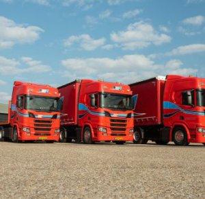 VAT Venhorst koopt drie nieuwe trekkers.