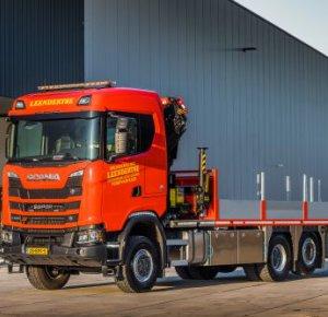 Scania 6x4*4 S520 V8 in XT-uitvoering voor Leendertse Bronbemaling in Sassenheim.