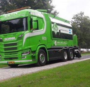 Unieke Scania sproeiwagen voor E.I.T.N. Aalders.