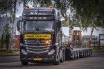 Vier Actros zwaartransporttrekkers voor Heavy Load Service (HLS) Almelo.