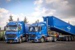 Renewi neemt twee Mercedes-Benz Actros 1842 LS trucks in gebruik.