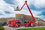 Twee Scania's met Bronto Skylift hoogwerker voor Veiligheidsregio Kennemerland.